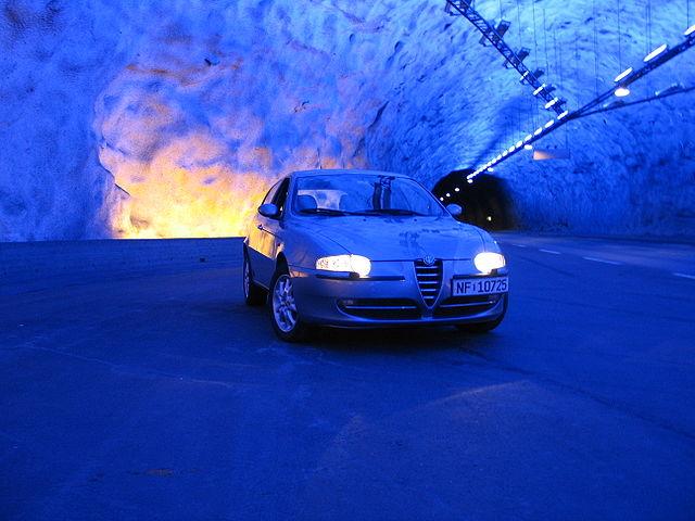 640px-Alfa_Romeo_147_tunnel