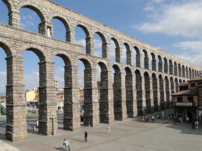 800px-Aqueduct_of_Segovia